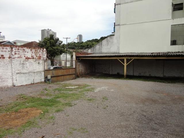 Pavilhão p/ estacionamentos, terreno e casa Centro 620 m2 Caxias do Sul - Foto 6