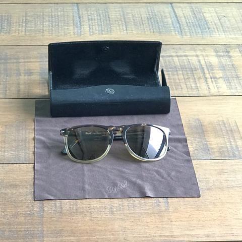 bad6b47e2 Óculos de sol masculino da marca Persol - Bijouterias