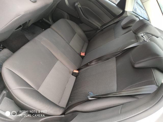 Ford Focus Sedan - Foto 12