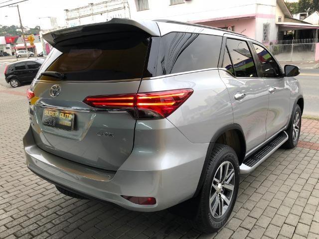 Toyota SW4 SRX 2.8 Aut 4x4 5L - Foto 6