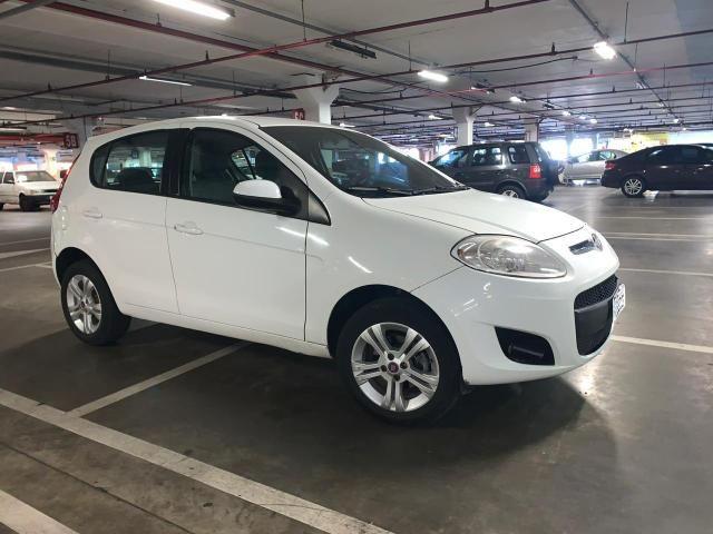Vende-se Fiat Palio Essence 1.6 dualogic
