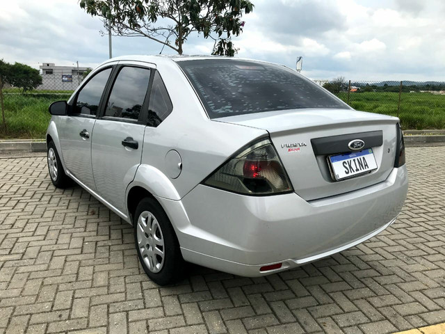 Fiesta Sedan 1.0 2013 Bx.km - Foto 3