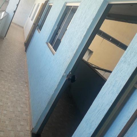 Alugo kit, dois quartos no condomínio guirra próximo ao setor sul, 550 água e Luz incluso - Foto 3