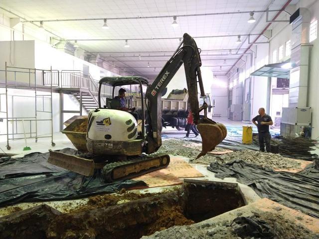 Bob Cat, Mini Escavadeira Limpeza de Terrenos - Foto 4