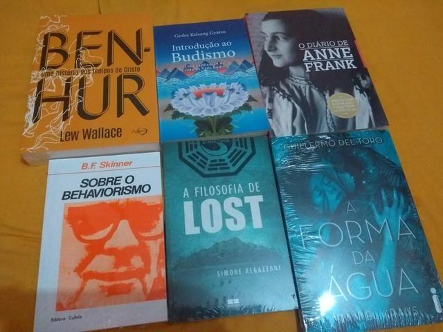 Livros novos na embalagem