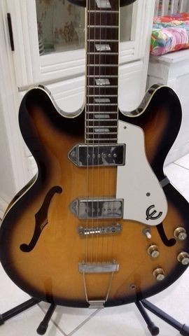 Guitarra Epiphone Casino Sunburst