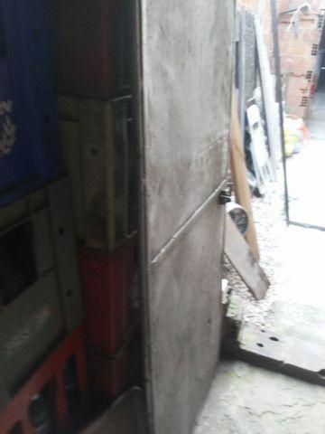 Portão de ferro todo fechado - Foto 6