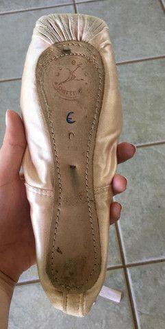 Sapatilha de ballet de ponta com ponteiras de silicone Capezio - Foto 3