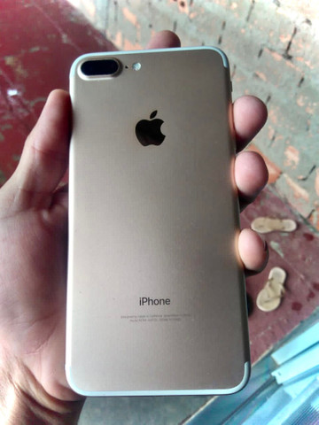 Troco iPhone 7 Plus 128gb por menor com volta  - Foto 4