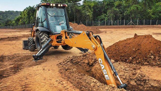 2020 JBC Retro escavadeira · NaN milhas rodadas - Foto 3