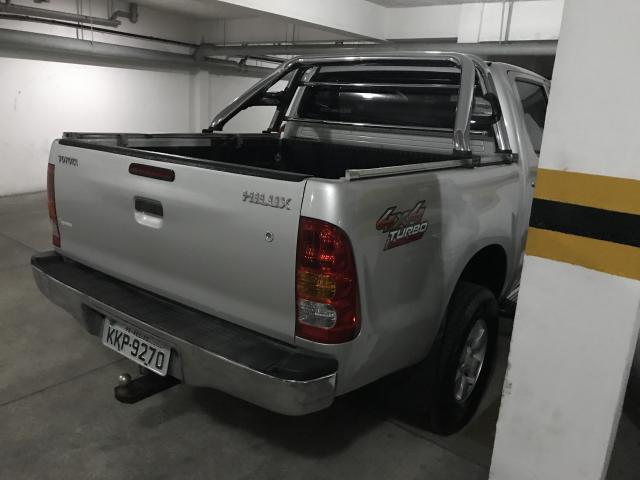 Toyota Hilux CD 4x4 Turbo 2010 completa