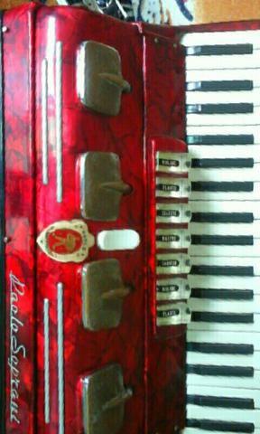 Sanfona acordeon Italiano