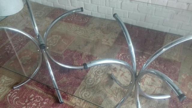 Mesa retangular de vidro 2x1 com pés cromados sem as cadeiras - Foto 2