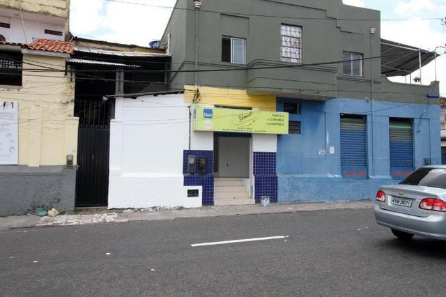 Loja em frente ao metrô Pitangueiras- Brotas