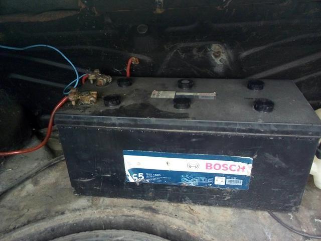 Vendo ou troco bateria 150 amperes