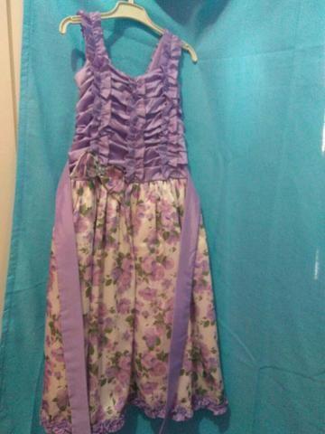 Vestidos infantil usados poucas vezes para idade de 10 a 12 anos