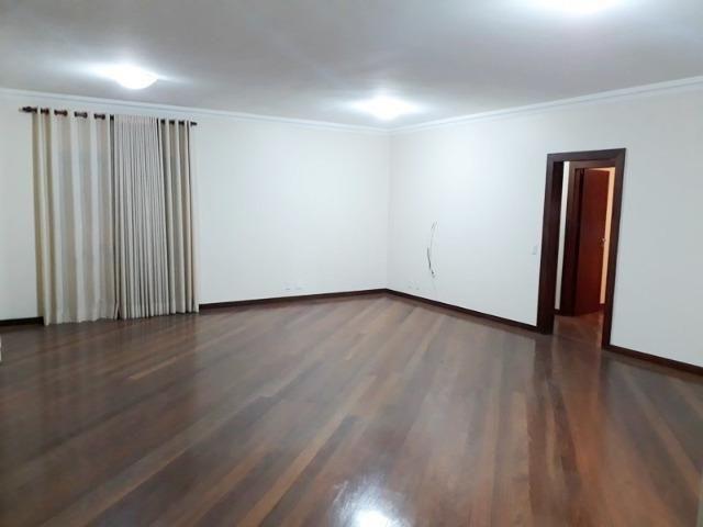 Apartamento com 4 quartos, 2 vagas, 204m² - Condomínio Rembrandt - Chapada