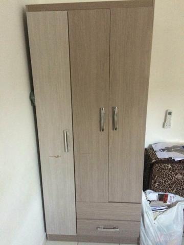 Guarda-roupas, 3 portas