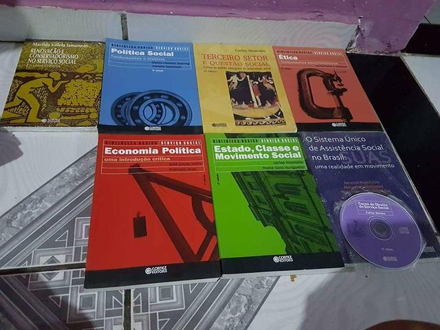 Livros do curso serviço social