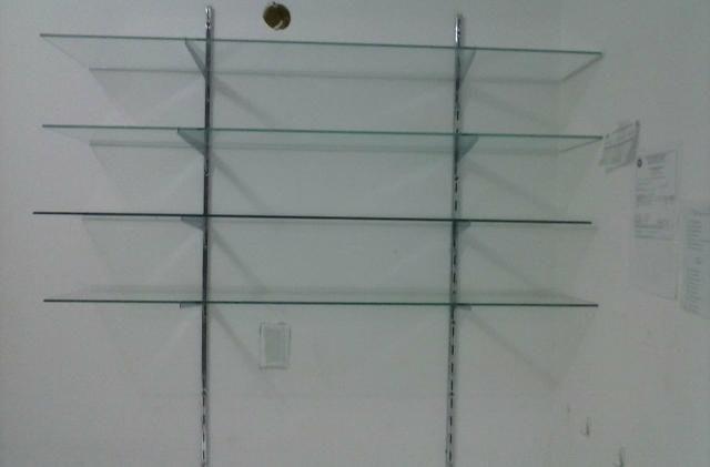 Estante De Vidro Temperado : Prateleira de vidro temperado bijouterias relógios e acessórios