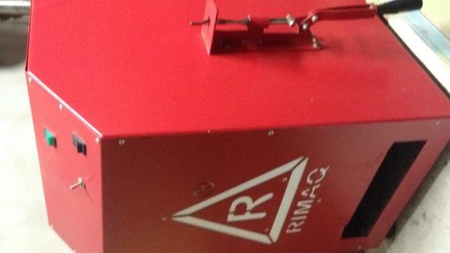 Máquina semi nova de fazer chinelos automática