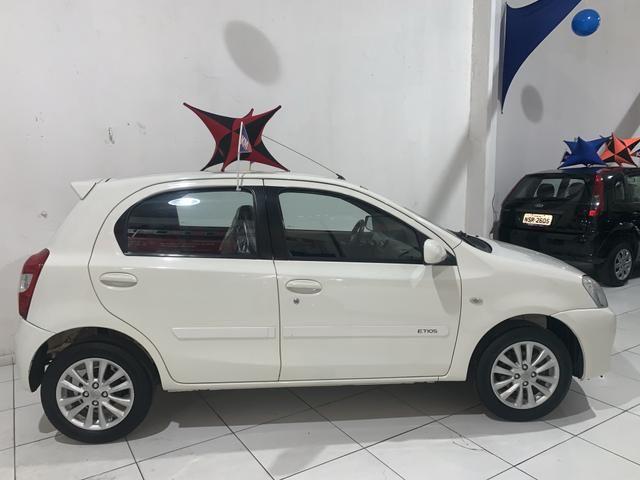 Toyota Etios XLS 1.5 ano 2013 é na KM Automóveis Belém