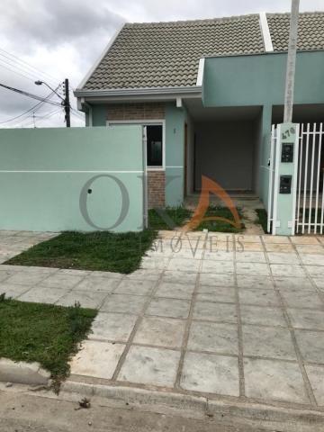 Casa de esquina 01 dormitório com preparação para ático em curitiba é na oka imóveis