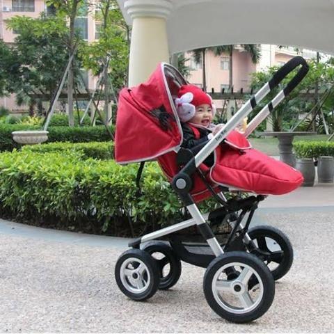 Carrinho de Bebê Teutonia Dobrável