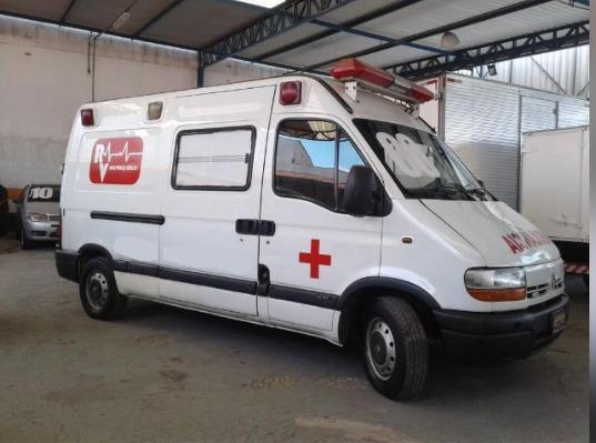 Ambulancia renault master 2004