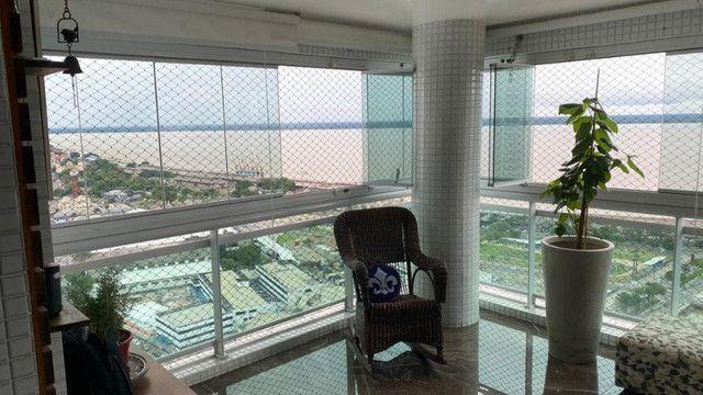 Apto no 395 Place com metragem de 202mt² contendo 3 suites + inf: