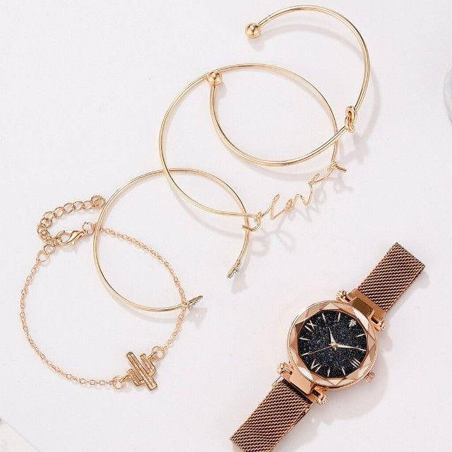 Conjunto De Relógio Feminino Luxo Com 4 Pulseiras Folheadas a ouro - Foto 3