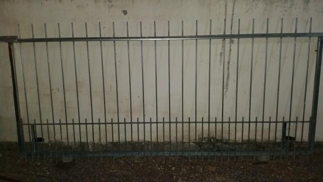 Portão de ferro galvanizado, 6 meses de uso