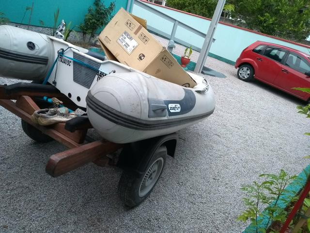 Bote inflavel Zefir ano 2013 com motor 8hp e carretinha