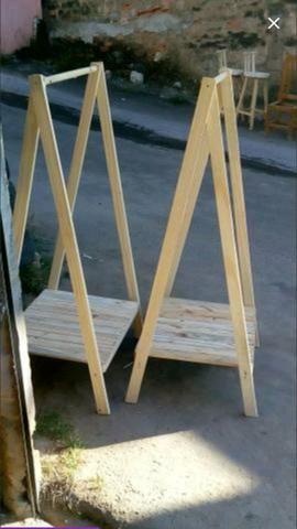 Arara de madeira