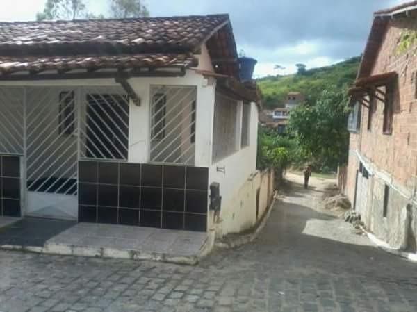 Casa 2/4 na Cidade de Ubaíra. Excelente!!!
