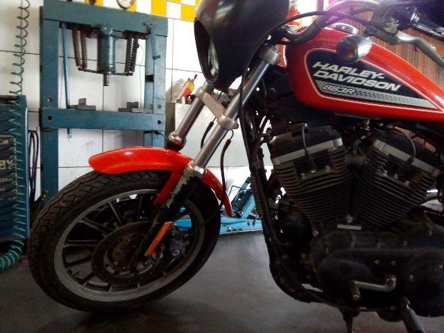 Harley-davidson Xl 883 r muito nova