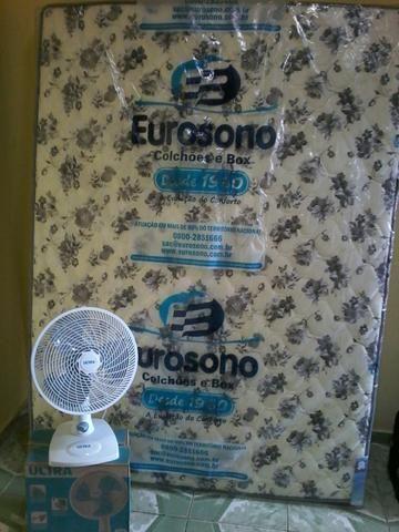 Vendo colchão casal mais ventilador 30 centímetros 400 reais