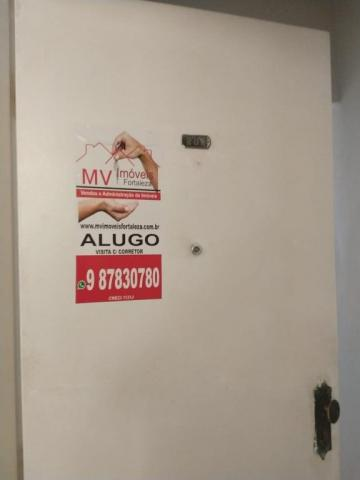 Alugo apto em frente a ufc com 90m, 3 quts + dependencia 1 vaga coberta r$ 950,00 parcelo  - Foto 3