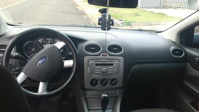 Ford Focus Sedan automático - Foto 3