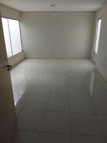 Alugo imóvel térreo no Centro com 4 salas, recepção, 2 Wc's, copa e depósito - Foto 2