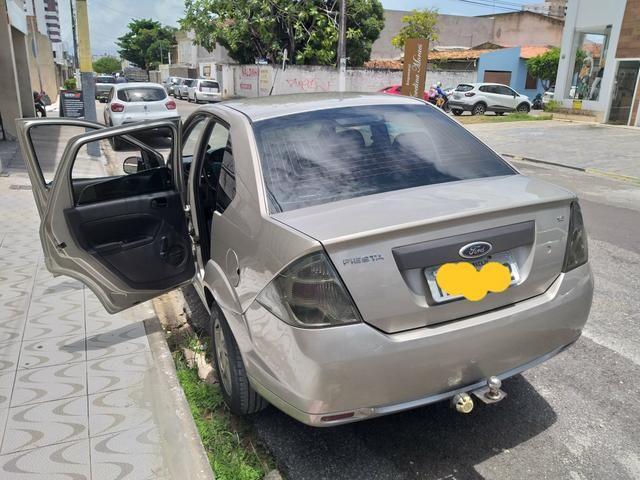 Fiesta sedan 2012 motor 1.6 - Foto 3