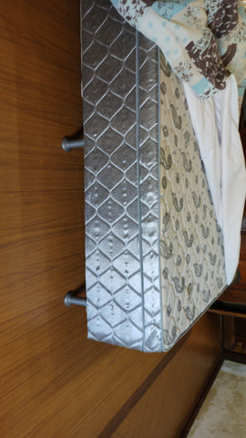 Cama box casal- padrao- 1.88 x 1.38 x 0.53 - cinza estampada- pouco uso- Marca Eurosono - Foto 3