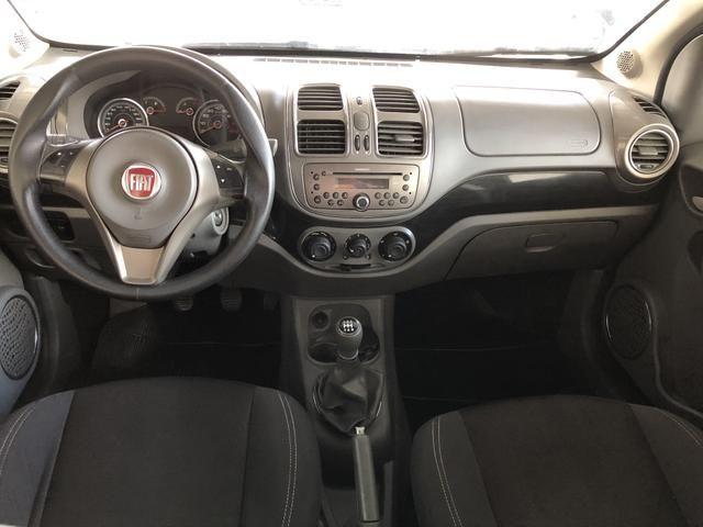 Fiat / Grand Siena Essence 1.6 2013 - Foto 3