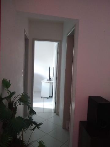 Vende-se apartamento no condomínio Vida Bela 1 em Lauro de Freitas. Cel - Foto 5