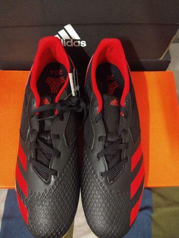 Chuteira de futsal Adidas Predador - Foto 2