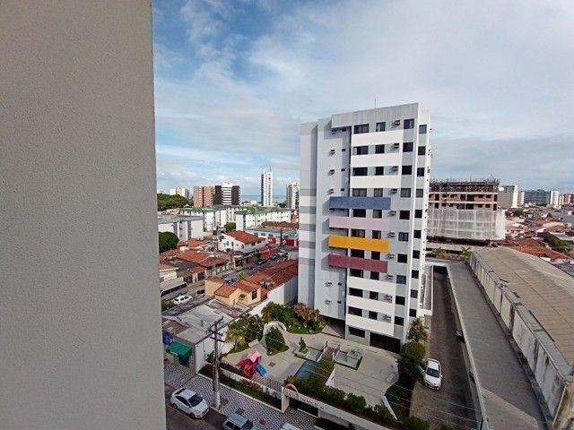 Apartamento com 3 quartos(01 suíte) na Pajuçara! Nascente, ventilado, confira! - Foto 9