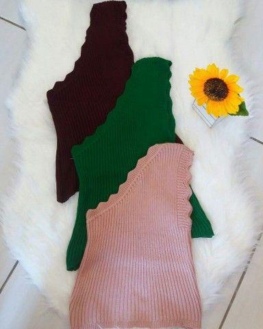 Blusa tricô Ombro só - Foto 2