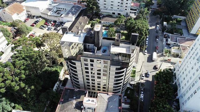 Apartamento no Condomínio Edifício Batel Diamond, Batel - Foto 2