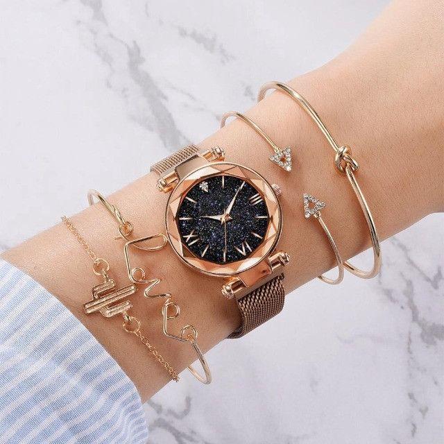 Conjunto De Relógio Feminino Luxo Com 4 Pulseiras Folheadas a ouro - Foto 2