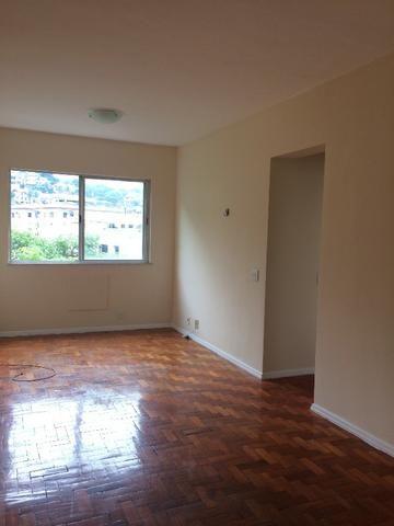 Laranjeiras, Rua Belisário Távora, sala, 2 quartos, 2 vagas